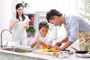 Phụ nữ ngày nay nấu ăn như nào.